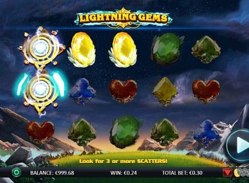 Комбинация символов на линии в Lightning Gems